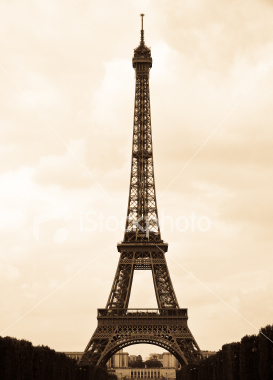 Postcard of Eiffel tower in France to teacher